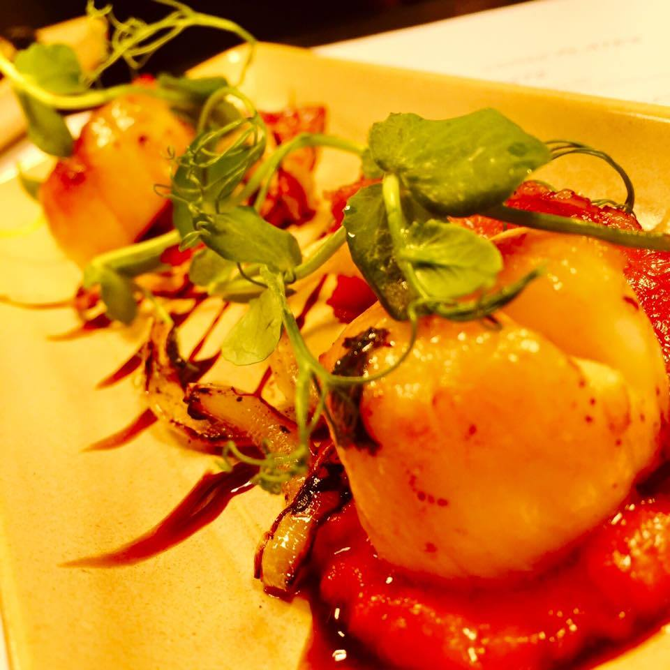 Liverpool restaurants - Neon Jamon - Scallops with pancetta, sweet Spanish onions & red pepper coulis