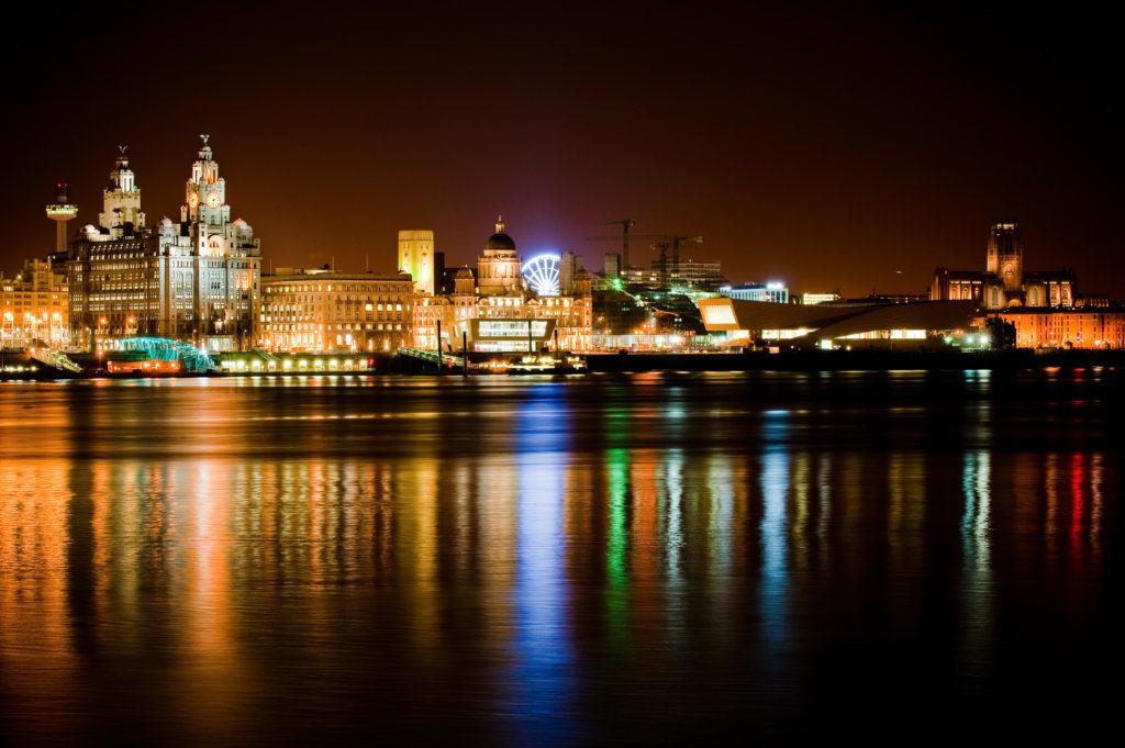 Liverpool night sky line - romantic night in Liverpool