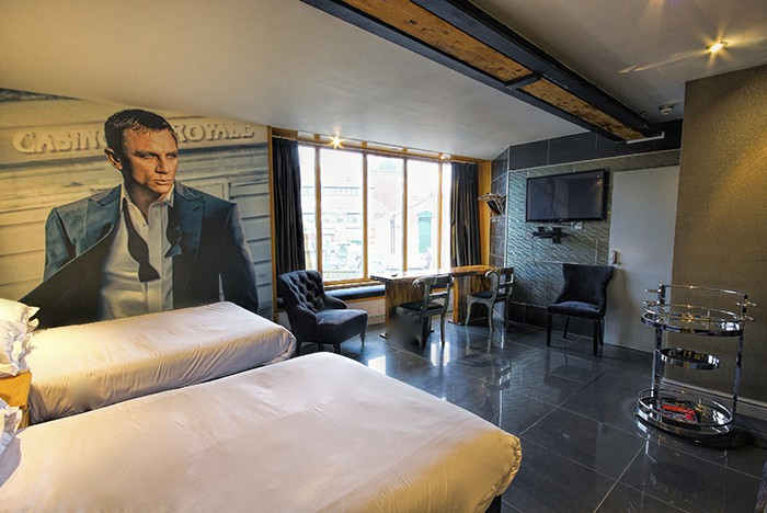James Bond Lounge