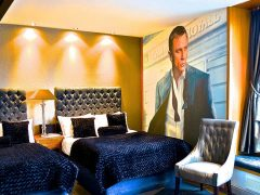 James Bond Duplex - party hotel rooms in Liverpool city centre