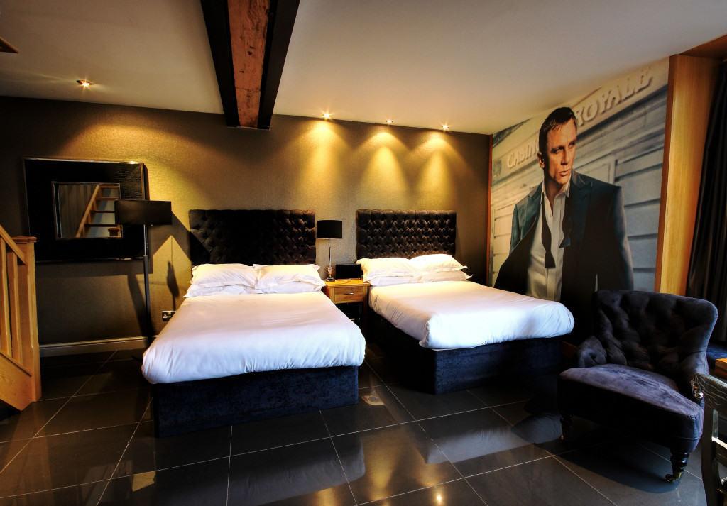 James Bond Lounge