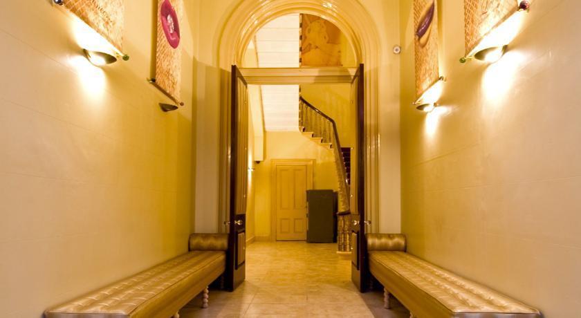 bold st entrance