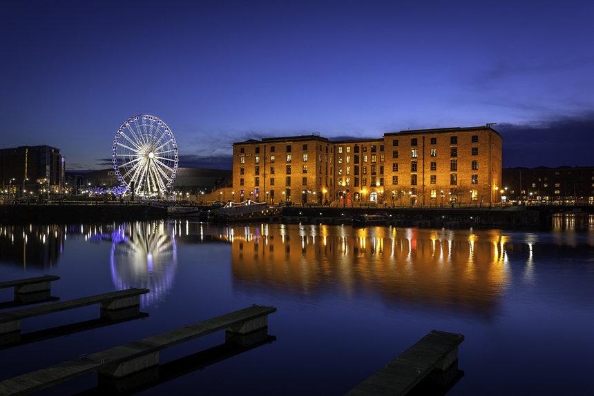 Albert Dock Night