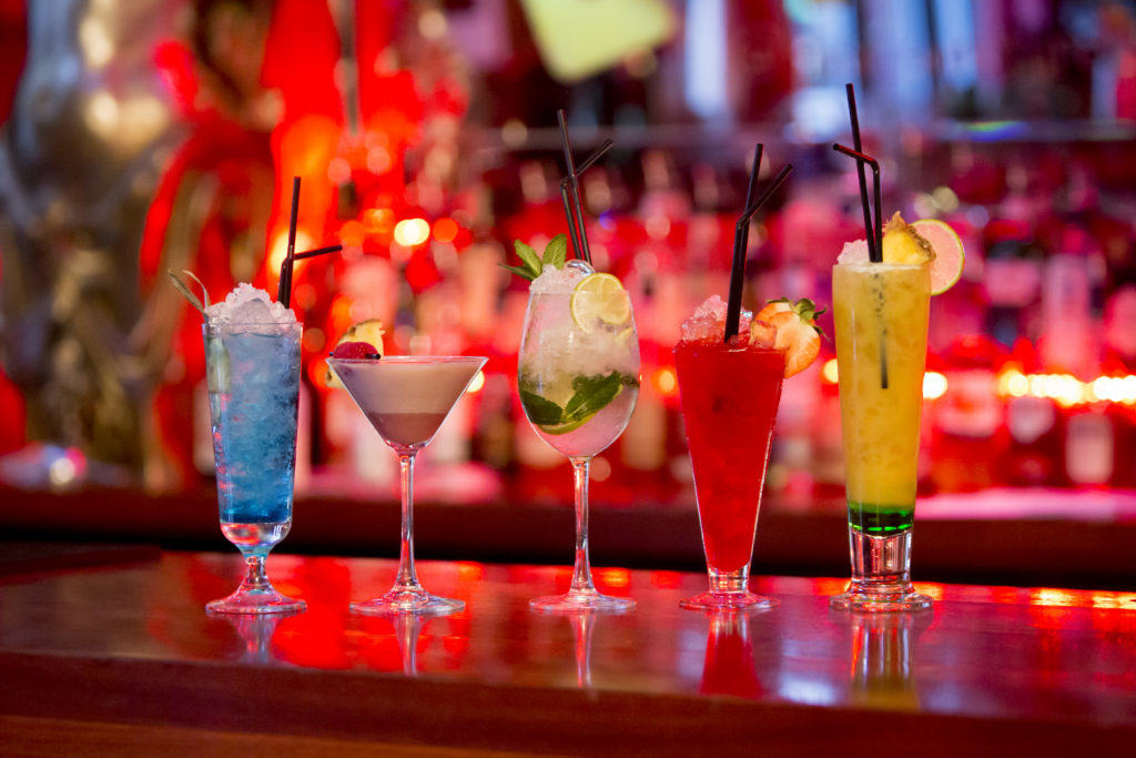Cocktails at Bar Signature