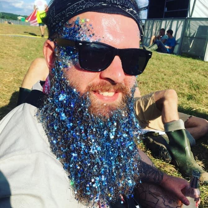 Creamfields 2017 - glitter beard