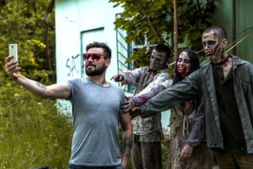 Halloween fancy dress ideas for groups - walking dead