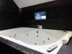Casino en suite bathroom - double Jacuzzi bath